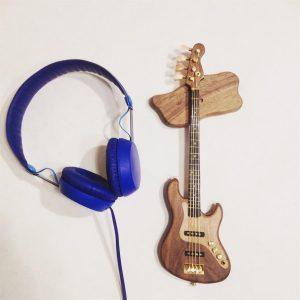 Minyatür Bas Gitar