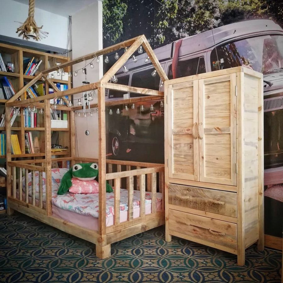 Montessori Masif Ahşap Çocuk Odası Yatak ve Dolap Takımı