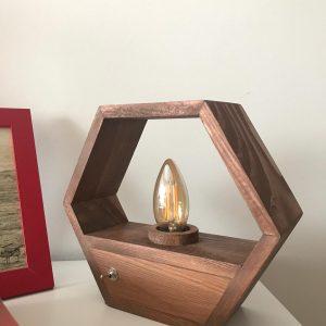 Ahşap Altıgen rustik masa lambası (Fındık)