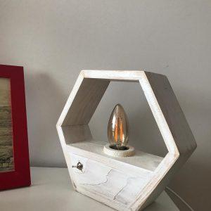 Ahşap Altıgen rustik masa lambası (beyaz)