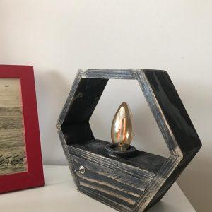 Ahşap Altıgen rustik masa lambası (siyah)
