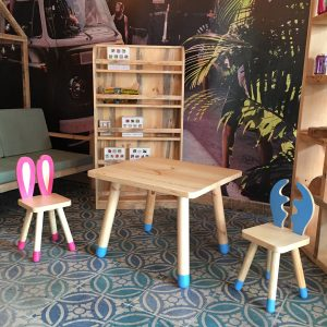 Chapelet Masif Ahşap Çocuk Masa Sandalye Kitaplık Takımı