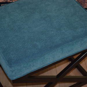 Derius Metal Ayaklı Puf Mavi